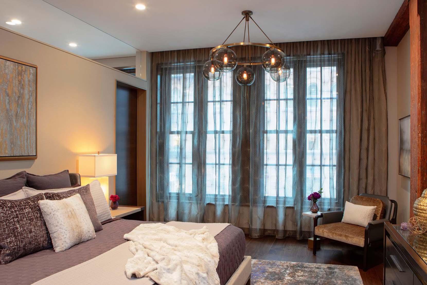 Modern-Bedroom-Pendant-Lighting-Nolita-Residence-Chandelier.jpg