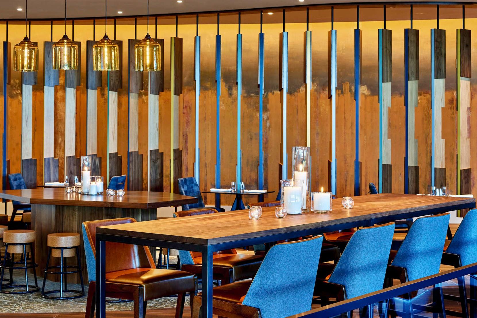 Modern-Hotel-Lighting-Linear-5-Bell-Jar.jpg