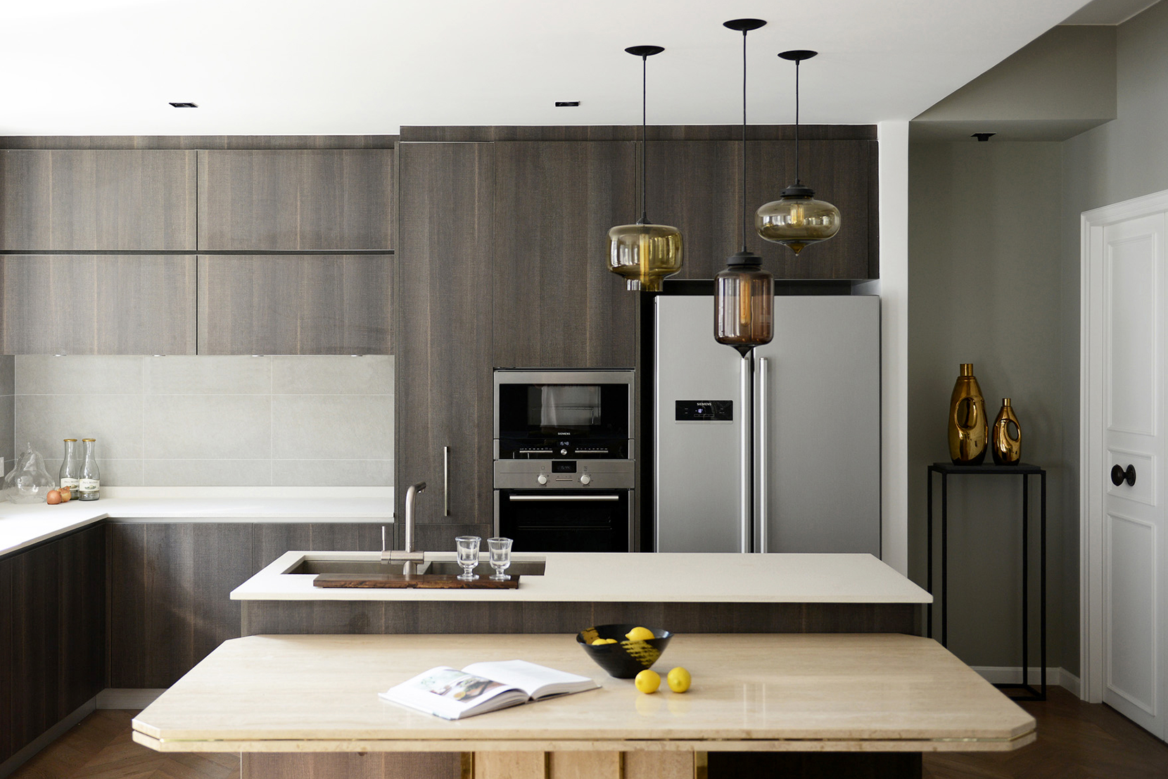 Lighting-Project-Pages_0007s_0007_Kitchen-Modern-Multi-Pendant-Lighting-Display.png