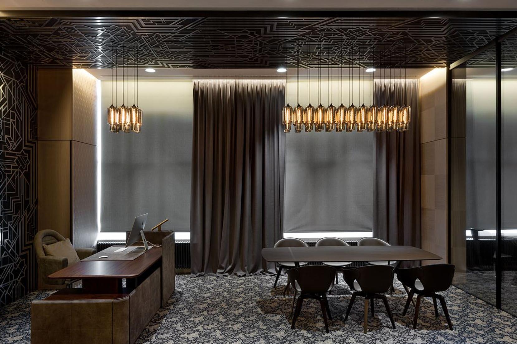 Modern-Office-Pendant-Lighting-Budapest.png
