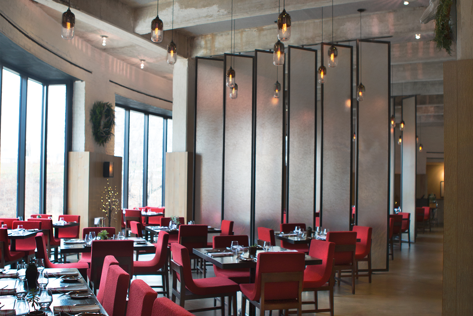 Lighting-Project-Pages_0009s_0002_Custom-Modern-Restaurant-Pendant-Lighting.png